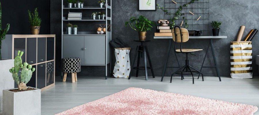 Wyciszający i ocieplający pomieszczenie – przegląd najpopularniejszych dywanów